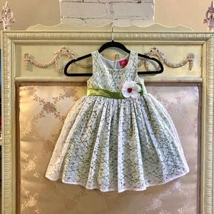 Pinky Lace White and Green dress size 4